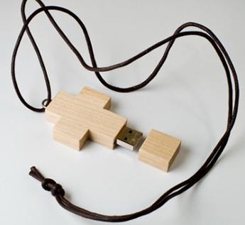 USB-Флешка на 64Gb в форме креста