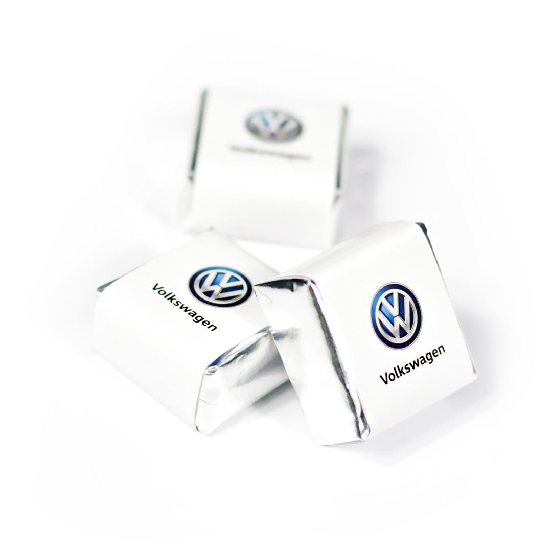 Шоколадно-вафельная конфета с логотипом
